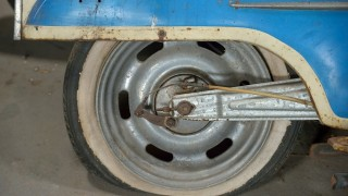 400km走行の前にタイヤを新品交換したのに高速でパンク。颯爽と現れたトレーラーの運ちゃんに助けられた