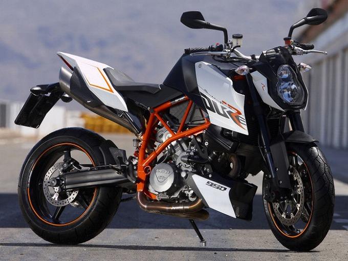 出典:motoplanete.com KTM SUPERDUKE 990R