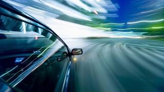 バイクで右折待ちをしていたら軽自動車が赤信号を猛スピードで…。記憶がなくなり…