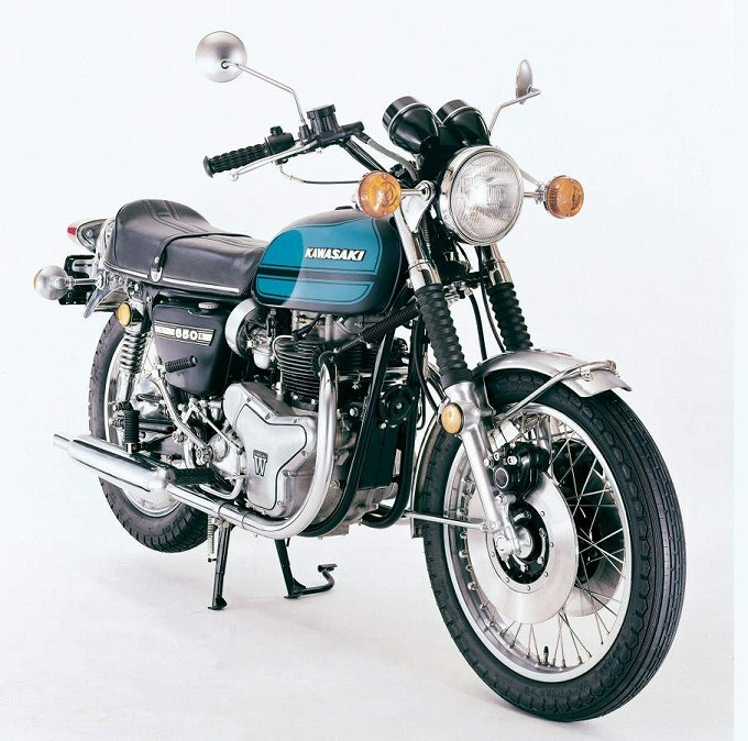 出典:motorcyclespecs.co.za カワサキ W3