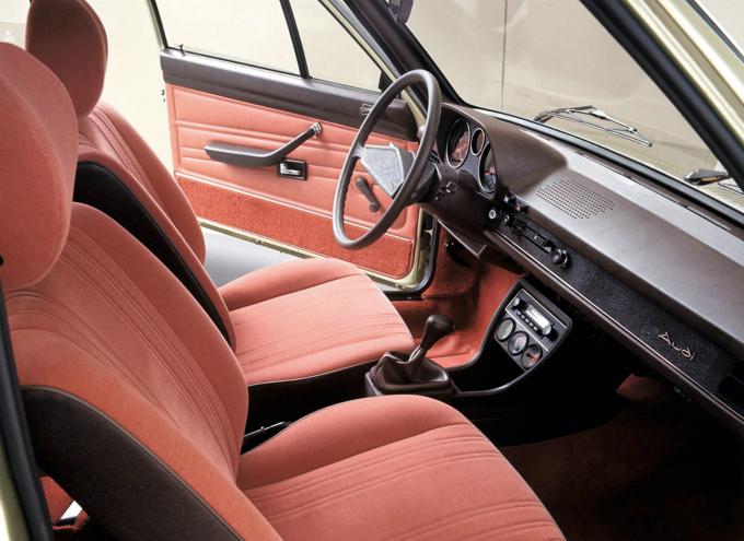 アウディ80 4Dr 1976