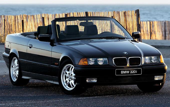 BMW 320i cabrio 1993  (出典:favcars.com)