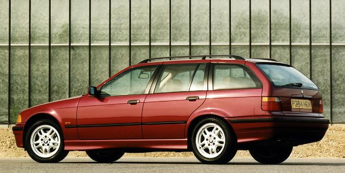 BMW 316i touring 1995  (出典:favcars.com)