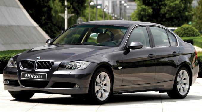 BMW 325i sedan 2005
