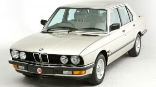BMW 5シリーズ (2代目 E28 '81-'88):初代からのキープコンセプトながら空力特性を改善