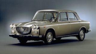 ランチア フラヴィア (初代 '61-'74):同社初のFF方式及び水平対向エンジンを採用