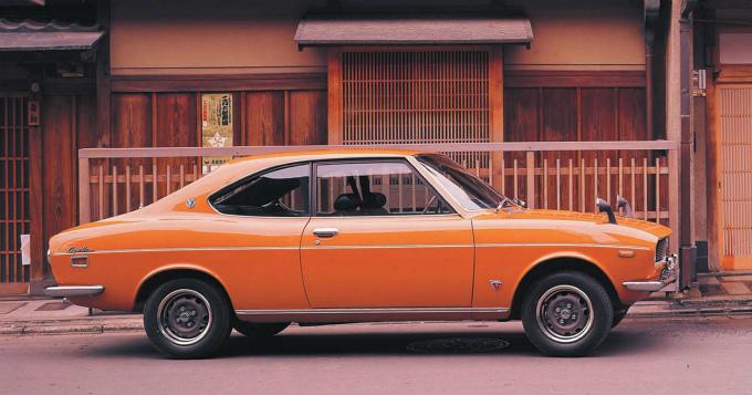マツダ カペラ (初代 '70-'74):...