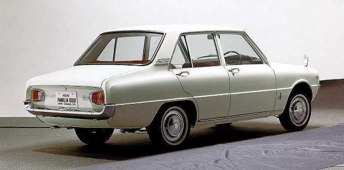 マツダ ファミリア1000 4Drセダン 1967
