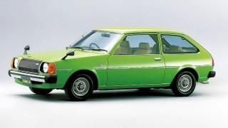 マツダ ファミリア (4代目 '77-'85):ボディ形状を2ボックス型に変更しヒット作に [FA4]