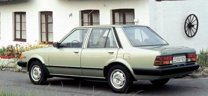 マツダ 323セダン(輸出仕様) 1980