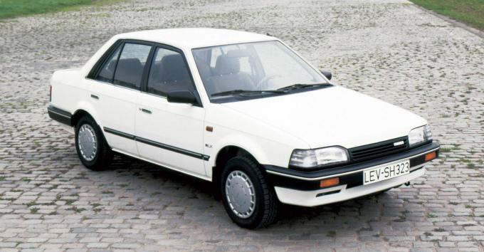 マツダ 323ワゴン (輸出仕様) 1986