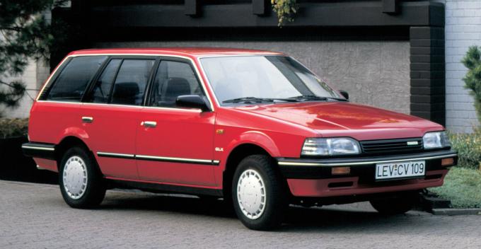 マツダ 323セダン (輸出仕様) 1986