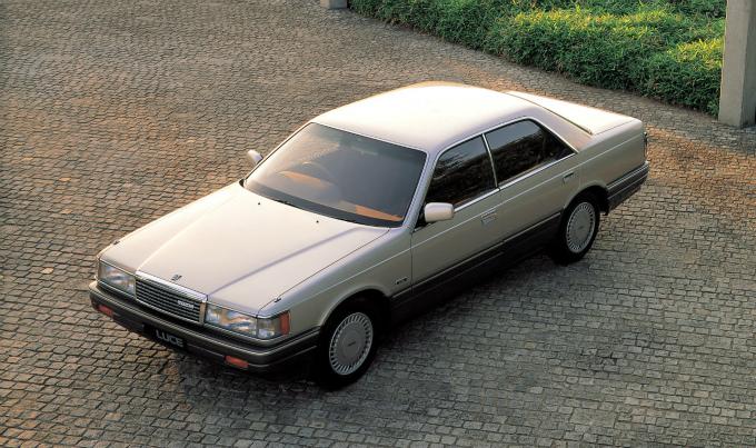 マツダ ルーチェ4Drハードトップ 1986