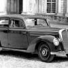 メルセデス・ベンツ タイプ220 ('51-'54):戦前設計のモデルをベースに多気筒エンジンを搭載 [W187]