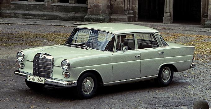 メルセデス・ベンツ 200d 1965