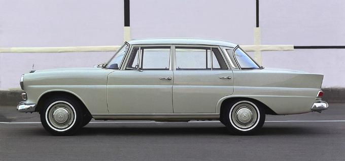 メルセデス・ベンツ W110