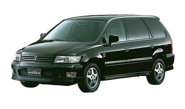 三菱 シャリオグランディス 2000