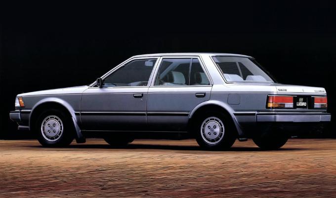 日産 ブルーバードSSSセダン 1983