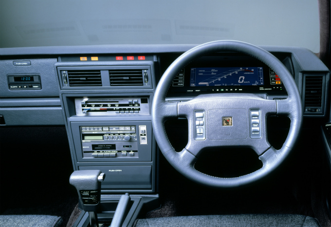 日産 レパード 1986