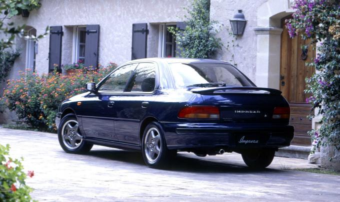 スバル インプレッサ 1992