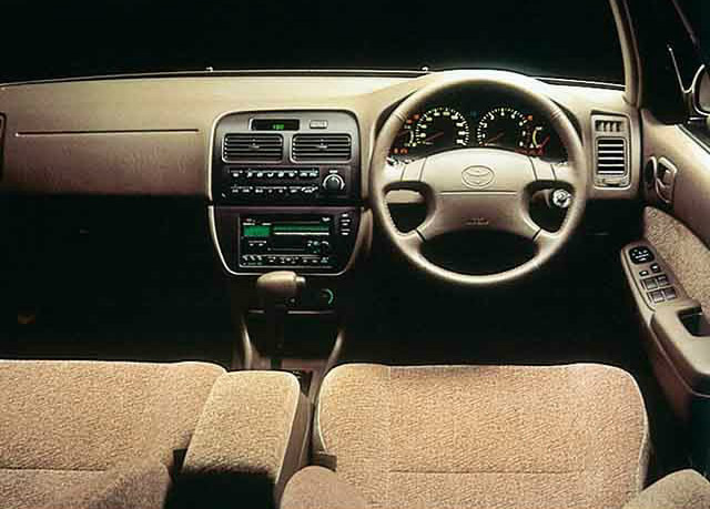 トヨタ カムリ 5代目 1994 1998 :4ドアセダンに一本化するなどラインナップを整理 V40