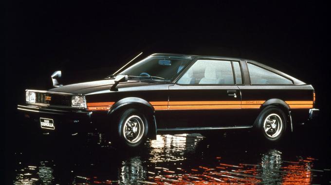 1983 Toyota Corolla >> トヨタ カローラレビン/スプリンタートレノ (3代目 1979-1983):先代からボディタイプやサスペンションを ...