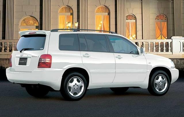 トヨタ クルーガー 2000 (出典:favcars.com)