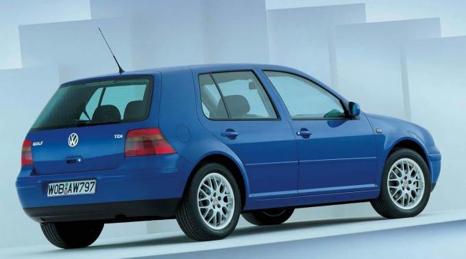 フォルクスワーゲン ゴルフⅣ 5Dr 1997  (出典:favcars.com)