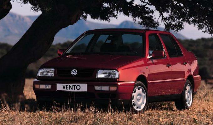 フォルクスワーゲン ヴェント (1992-1999):2代目ジェッタの後継車種として登場した4ドアセダン [1H]