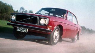 ボルボ 140シリーズ ('66-'74):モダンなスタイリングと共に先進的な安全装備を採用