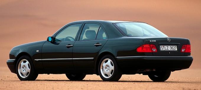 メルセデス・ベンツ E230 1995
