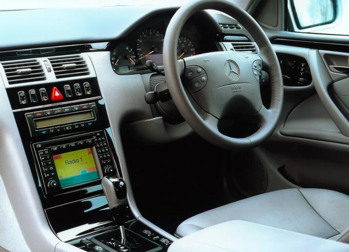 メルセデス・ベンツ E430 estate 1999