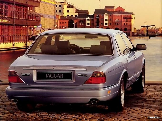 出典:favcars.com ジャガー XJ6 X300 '94