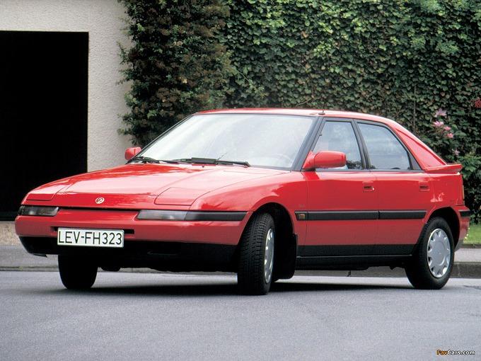 出典:favcars.com mazda 323