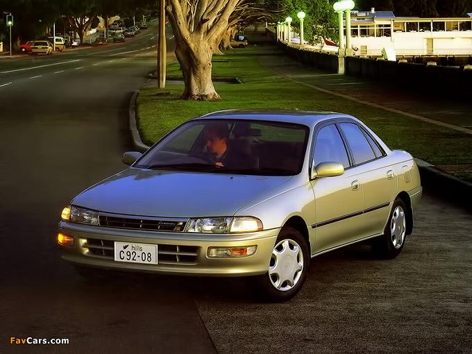 出典:favcars.com トヨタ カリーナ