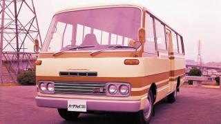 マツダ パークウェイロータリー26 ('74-'77):ロータリーエンジン搭載のマイクロバス