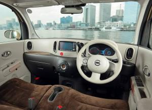日産 キューブ '08 (出典:favcars.com)