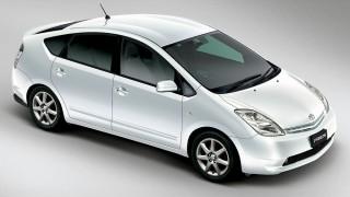 トヨタ プリウス (2代目 '03-'11):燃費・動力性能・機能性が向上しベストセラーに [NHW20]