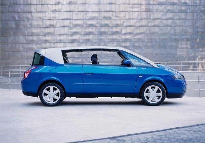 ルノー アヴァンタイム '01 (出典:favcars.com)