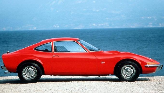 オペル GT 1968-73 (出典:autoevolution.com)