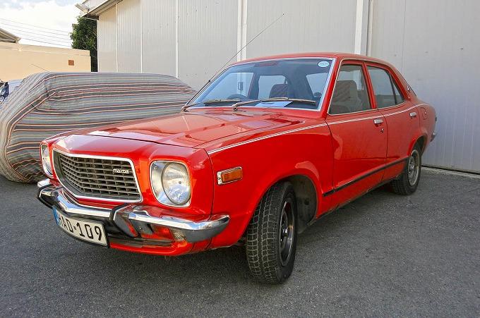 マツダ グランドファミリア セダン 1971-78 (出典:wikipedia.org)