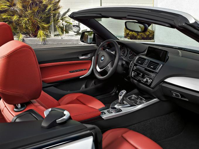 BMW 2シリーズ カブリオレ 2015 (出典:bmw.co.jp)