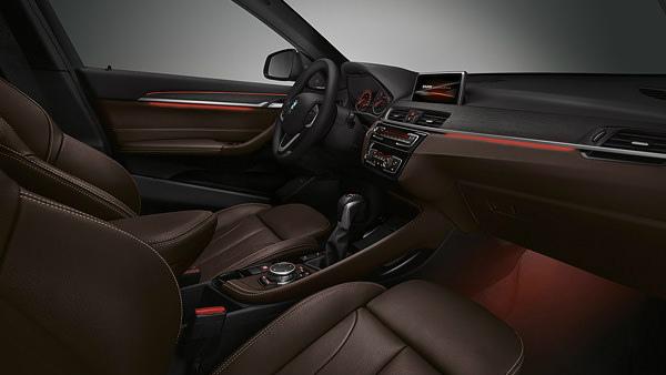 BMW X1 2015 (出典:bmw.co.jp)