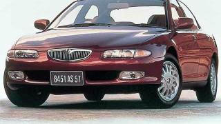 マツダ ユーノス500 (CA '92-'99):美しいスタイリングを誇ったミディアムセダン
