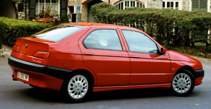 アルファロメオ 146 1995