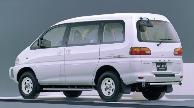 三菱 デリカ スペースギア 1994