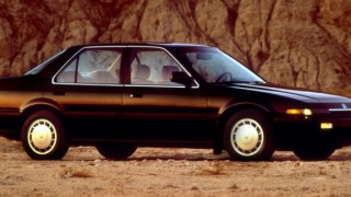 ホンダ アコード (3代目 CA1-6 '85-'89):4輪ダブルウィッシュボーンサスやDOHCエンジンを採用