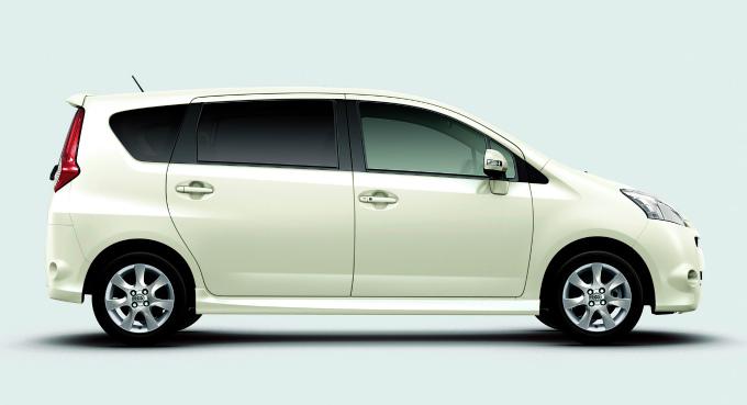 トヨタ パッソセッテ 2008
