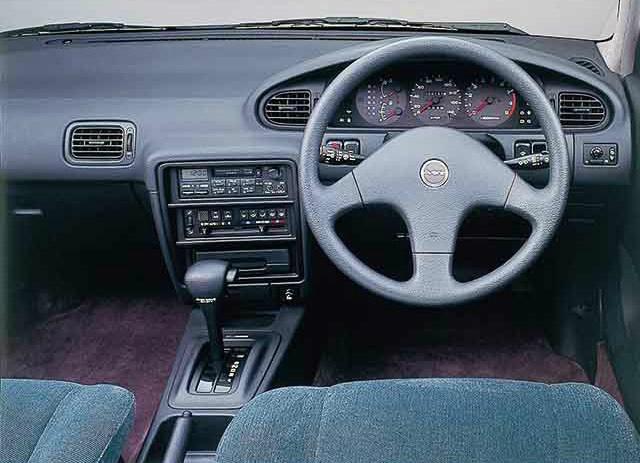 日産 アベニール 1995