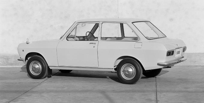 日産 サニー 2Drセダン 1966